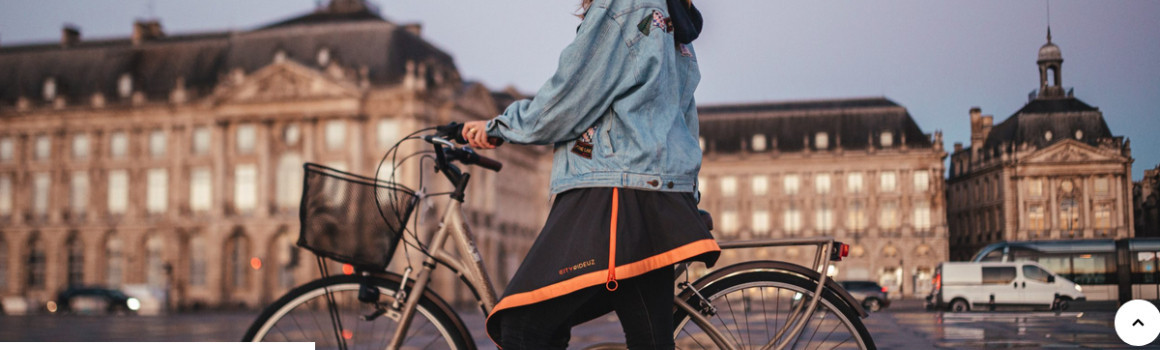 Sur jupe vélo : protégez-vous de la pluie!